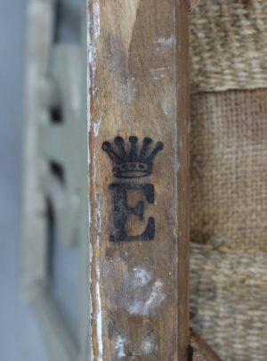 Dansk stol i Louis Seize stil fra slutningen af 1800-tallet.